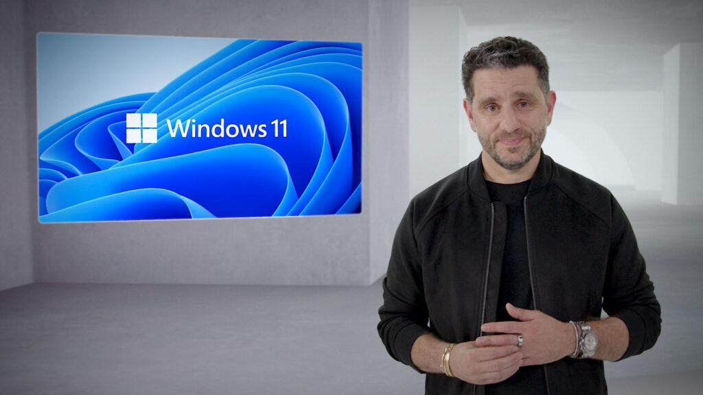 Panos panay, chefe de produto da microsoft, comandou a conferência e comentou grande parte dos novos elementos do windows 11