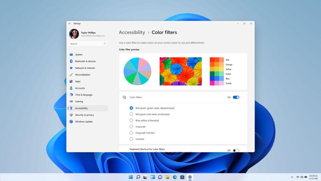 Outra melhorias que o lançamento do windows 11 trará são mais opções de acessibilidade, como filtros de cor para daltônicos, a exemplo da imagem