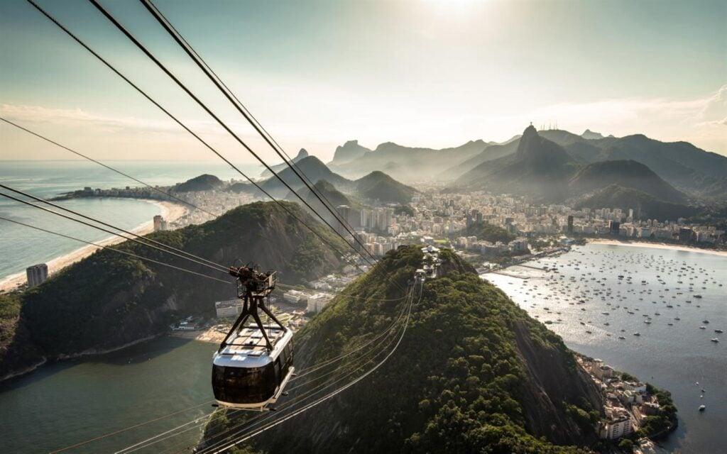 Viaje por copacabana, ipanema, pedra furada e pelo arquipélago de fernando de noronha nestas 15 imagens gratuitas para windows 10.