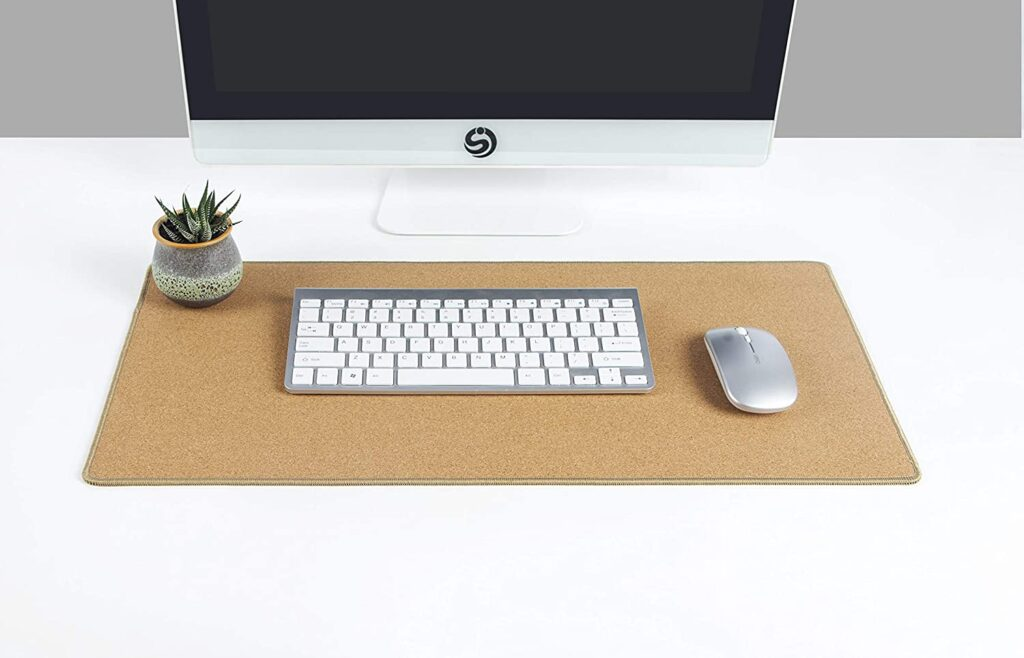 Desk pad para organizar seu ambiente de trabalho