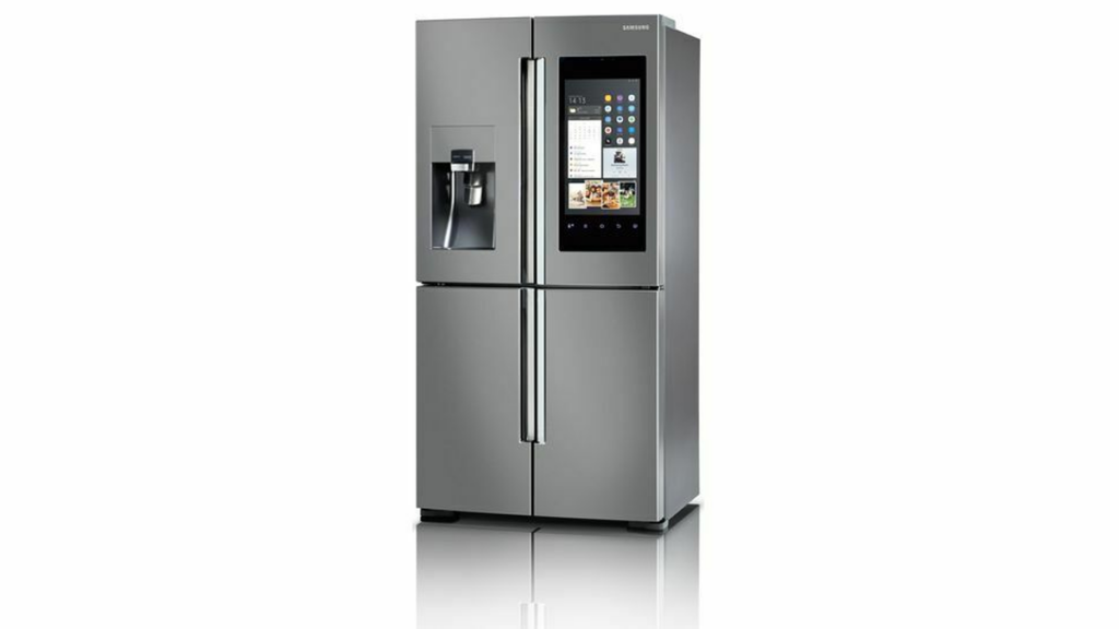 A geladeira smart family hub, da samsung, tem uma tela que funciona com a one ui.