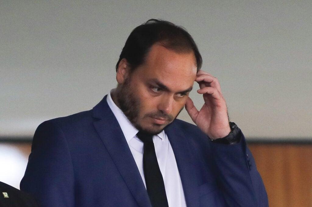 Carlos bolsonaro tentou negociar com a nso group