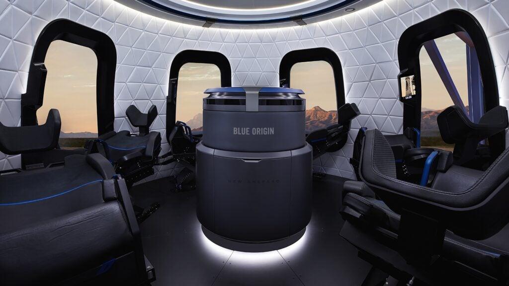 Interior da blue origin, nave que será tripulada pelo ex ceo da amazon jeff bezos