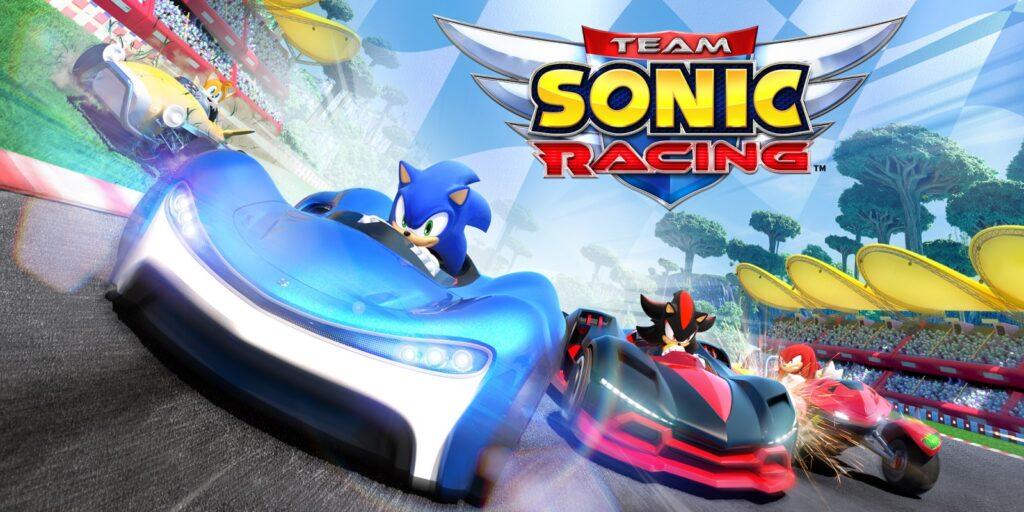 Arte de team sonic racing; quatro personagens disputam uma corrida de karts, cada um em seu veículo.