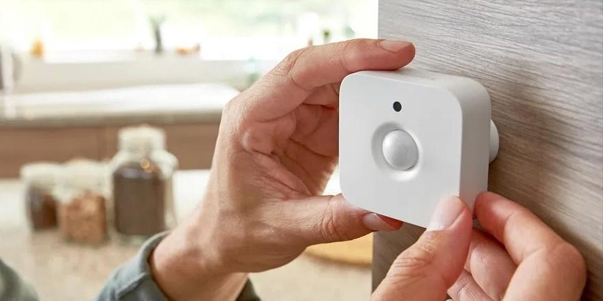 Review: sensor de movimentos philips hue é um importante aparelho para segurança. Em mais um dispositivo para sua casa conectada, este sensor de movimento é discreto e oferece sua função muito bem