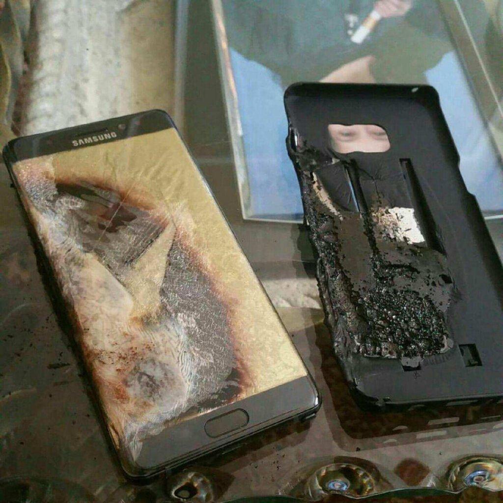 Galaxy note 7 queimado devido a um problema de superaquecimento