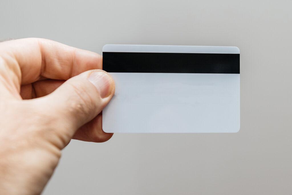 Cartão com tarja magnética