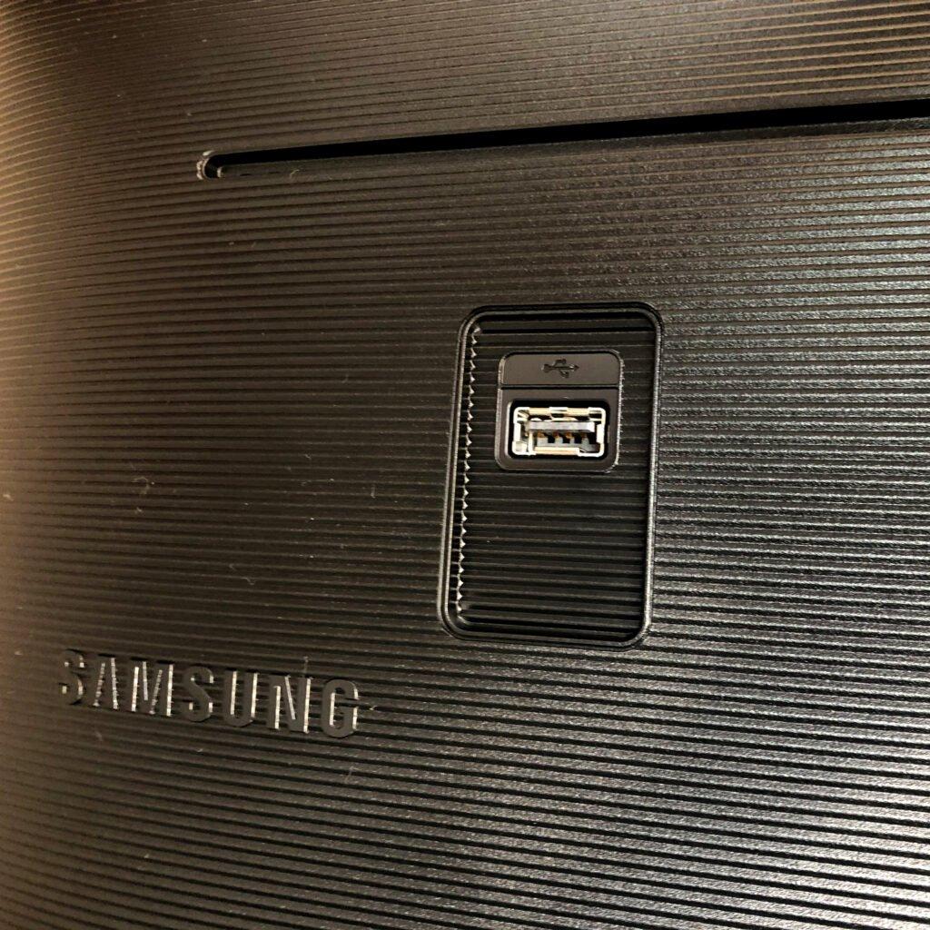Samsung m5 entrada ubs-a