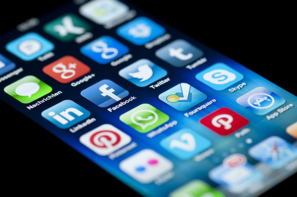 Facebook, twitter e google criticam mp do governo que limita remoção de conteúdos