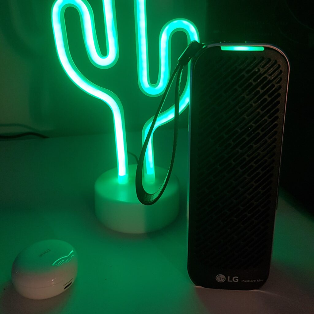 Review: lg puricare mini é a solução portátil que melhora a qualidade do ar. O lg puricare mini pode ser a solução para quem quer um purificador de ar para o carro ou ambientes pequenos