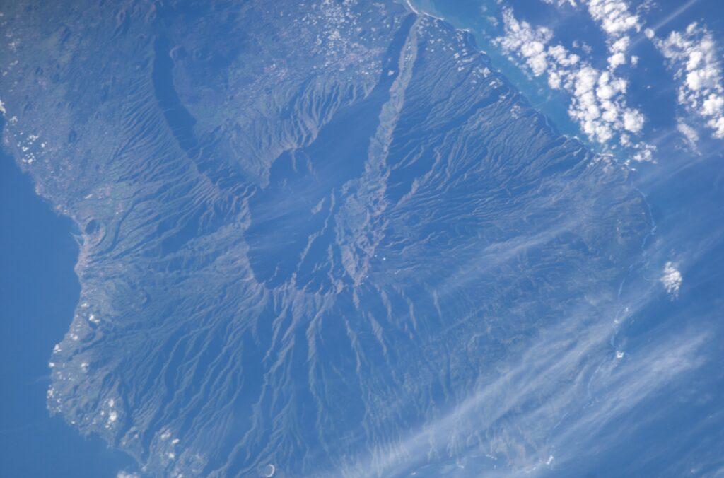 É possível ter um tsunami no brasil? Explicamos o fenômeno