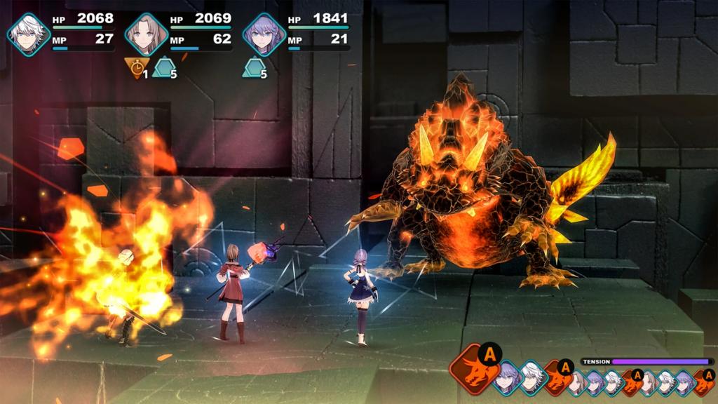 Imagem mostrando o sistema de batalha de fantasian: três personagens em linha enfrentam um monstro que aparenta ser feito de rochas e lava em um ambiente como um templo, mostrando as barras de vida e poder mágico no canto superior esquerdo e a ordem de turnos no canto inferior direito