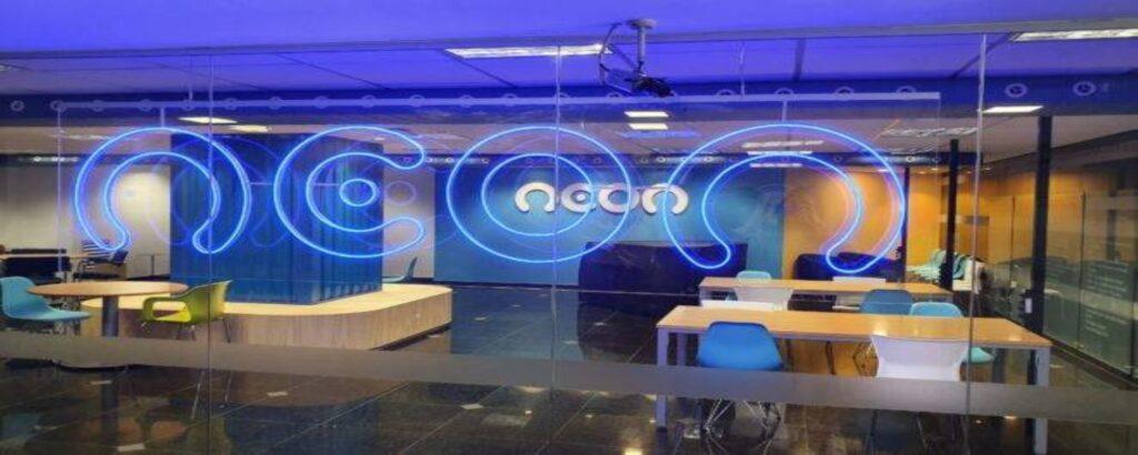 C6 bank lidera lista das 10 startups em alta no brasil, segundo o linkedin. Em levantamento feito pelo linkedin com critérios como crescimento no número de funcionários e interesse por vagas; veja a lista de 10 startups em alta no brasil em 2021
