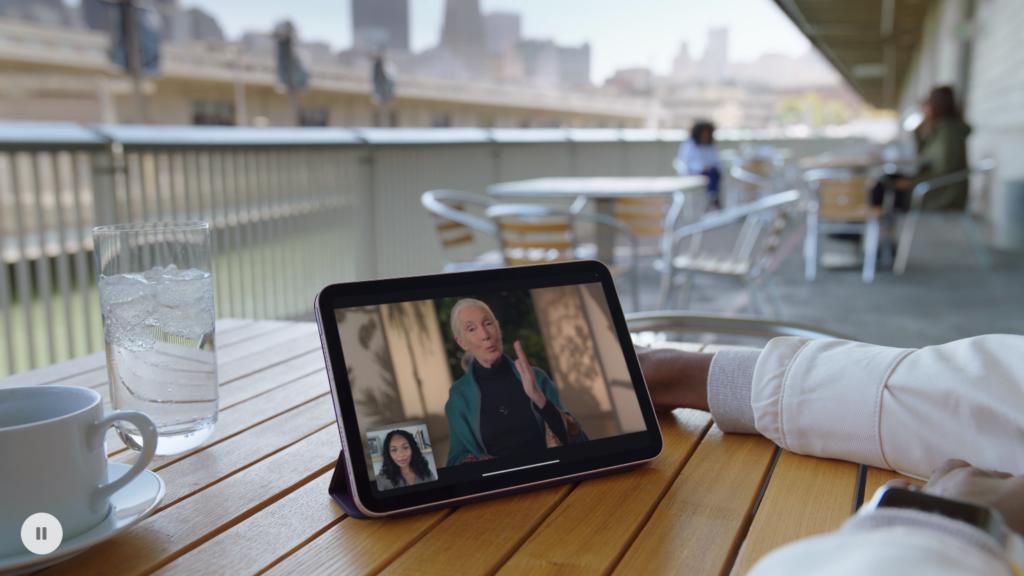 A apple bate no ponto da portabilidade maior do ipad mini no anúncio do modelo 2021.