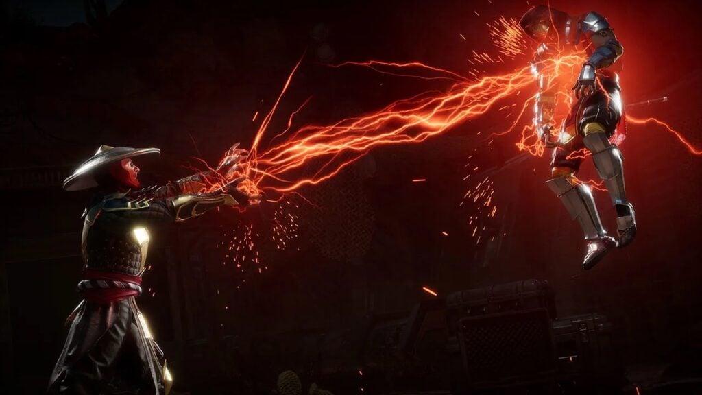 Raiden dá um choque em scorpion, que é levantado ao ar.