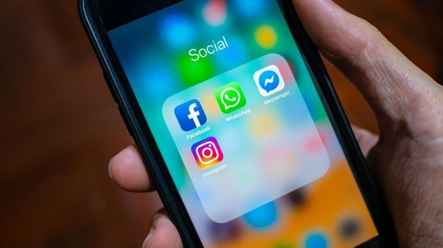 Ex-funcionária acusa facebook de lucrar com discurso de ódio
