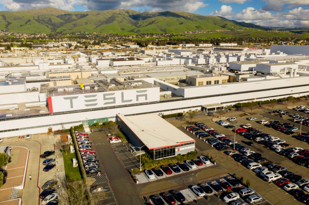 Tesla perde processo e deve pagar us$ 137 milhões a ex-funcionário por racismo