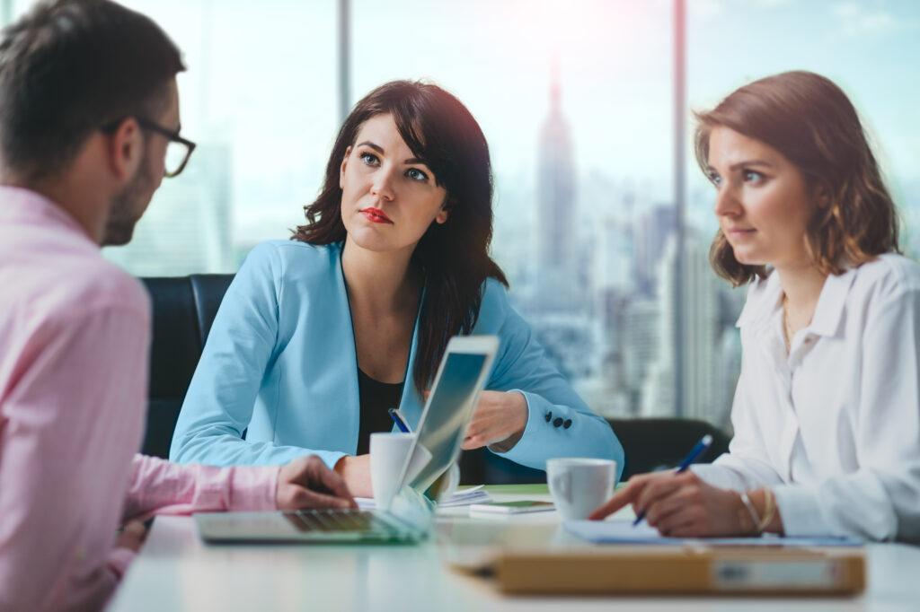 4 costumes do home office que deveriam continuar no retorno presencial