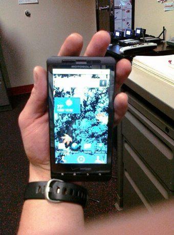 """wpid 340x motorola shadow - Gizmodo """"encontra"""" mais um celular: Motorola Droid Shadow"""