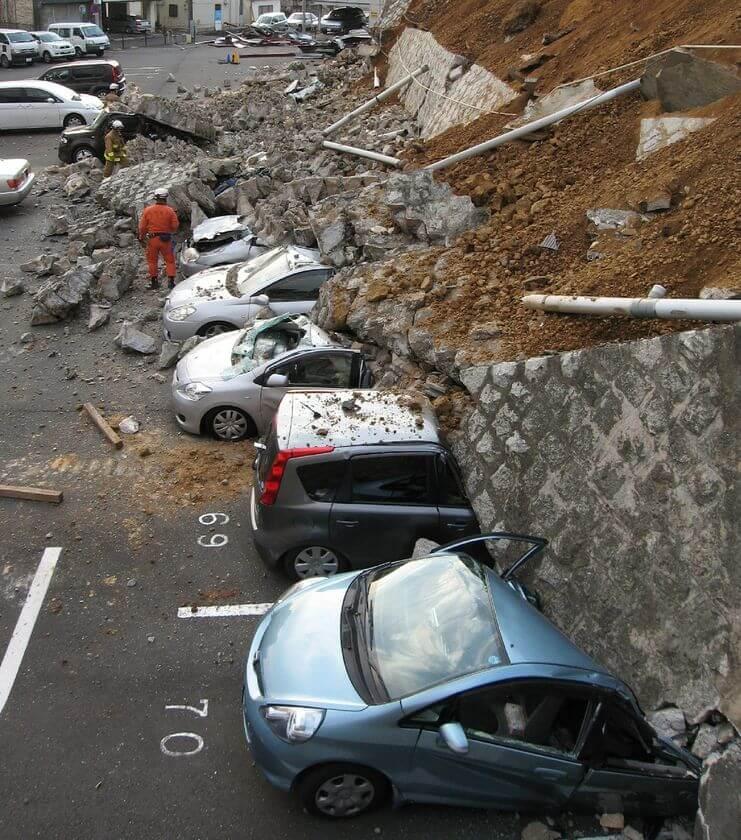 r732892 5924914 - Vídeos: Terremoto de magnitude 8,9 atinge o Japão e provoca tsunami