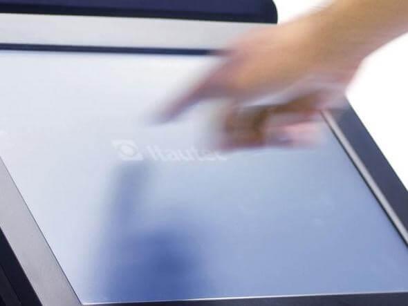 size 590 itautec - Itautec resolve brigar no universo dos tablets