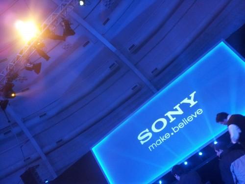Começa o evento da sony!. Já estamos aqui, bruno e marcelo, prestes a conhecer as novidades da sony e sony ericsson!