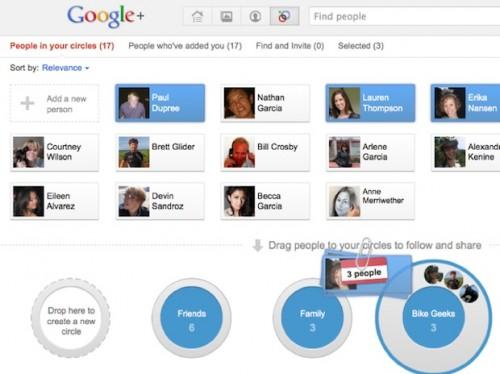 """Google lança sua nova rede social: google+. A google apresentou hoje o que será sua investida nas redes sociais: o novo serviço """"google+"""". Trata-se de mais uma tentativa de abocanhar um pouco do sucesso do facebook, algo que a empresa ainda falhou em conseguir até o momento com suas ferramentas atuais, como o orkut e o google buzz. Veja a mensagem de introdução do projeto..."""