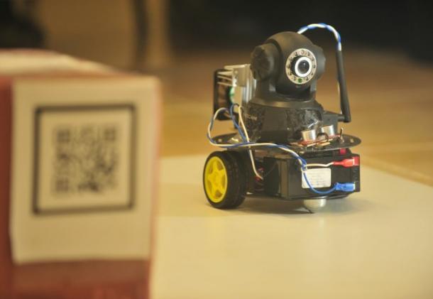 Captura de Tela 2012 05 26 às 19.08.11 610x421 - Robô de 25 cm explora espaços sozinho