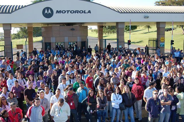 Motorola jaguariuna - Motorola Mobility demitirá 220 funcionários no Brasil