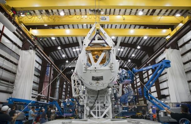 Spacex está pronta para lançar cápsula. Após o sucesso do vôo da cápsula dragon para a estação espacial internacional (iss), em maio passado, a empresa americana spacex tentará hoje a primeira de 12 missões de abastecimento previstas no âmbito de um contrato com a nasa.