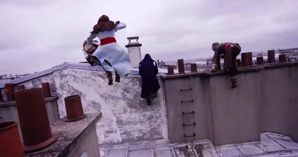Assassins Creed real - Incrível! Grupo de parkour simula Assassin's Creed pelas ruas de Paris