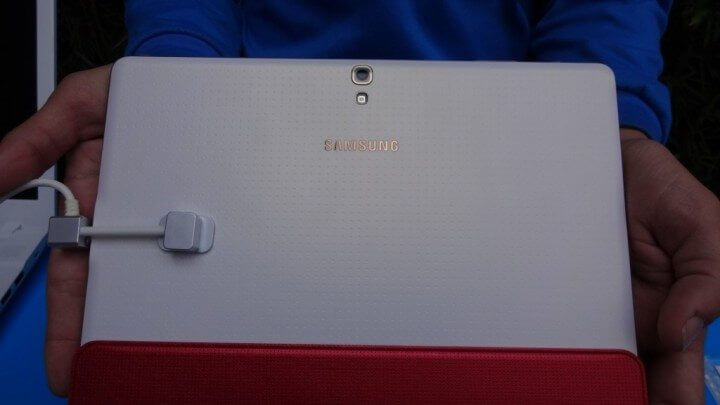 samsung galaxy tab s smt 09 720x405 - Samsung lança nova linha de tablets Galaxy Tab S no Brasil