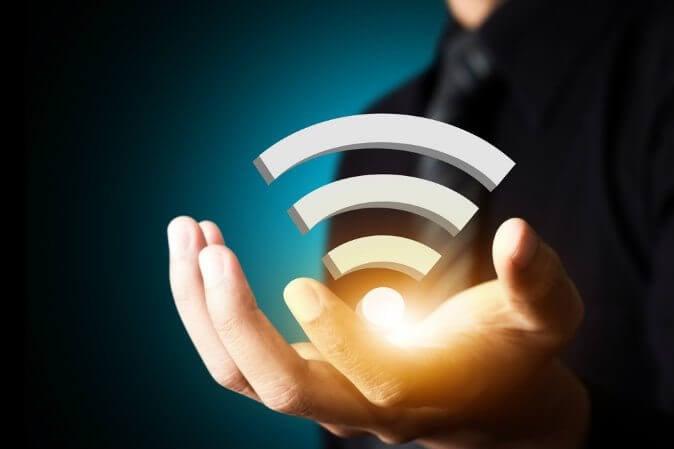 WiFi-shutterstock_159430124-WEBONLY