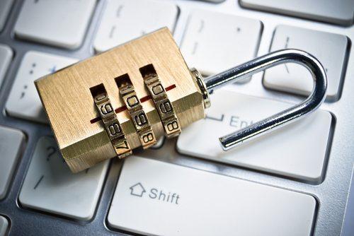 A tecnologia nos obriga a criar uma série de senhas / Imagem: Shutterstock