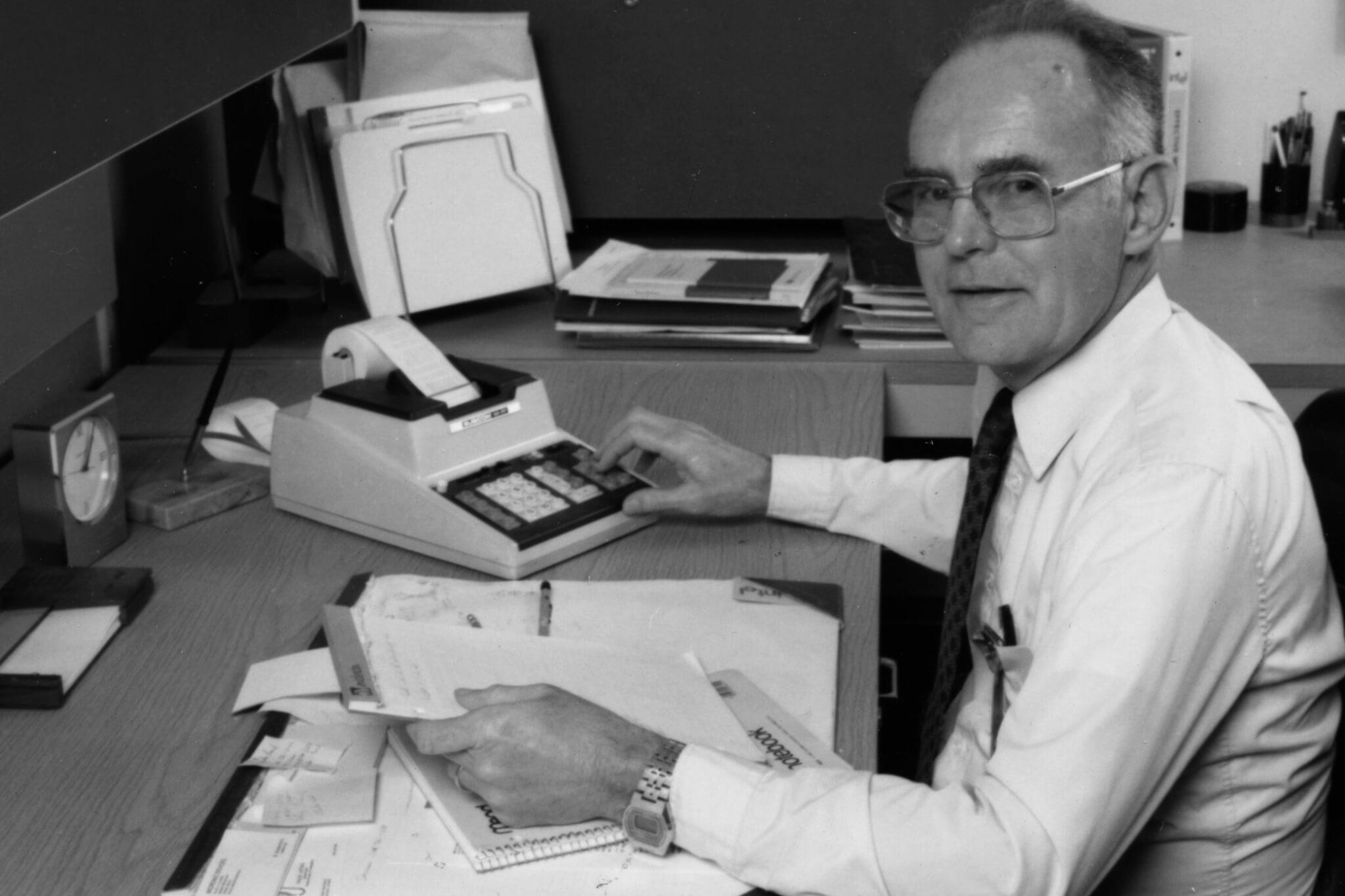 smt gordon moore sixties - Atual e inspiradora, Lei de Moore comemora 50 anos