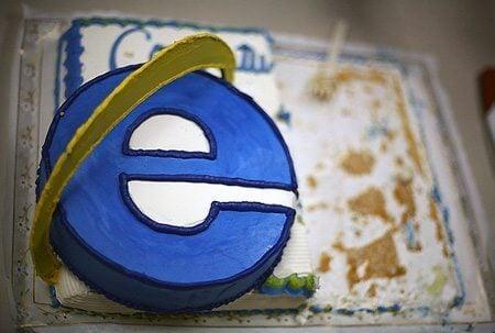 geek cake 9 - Equipe do Microsoft Edge comemora o vigésimo aniversário do Internet Explorer