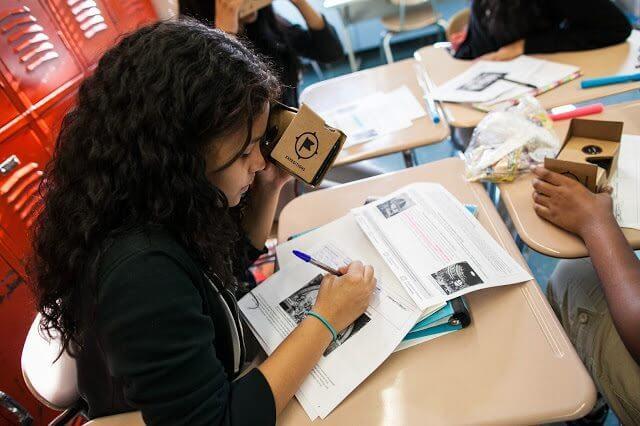 google cardboardo kit - Google vai distribuir kits de realidade virtual em escolas brasileiras