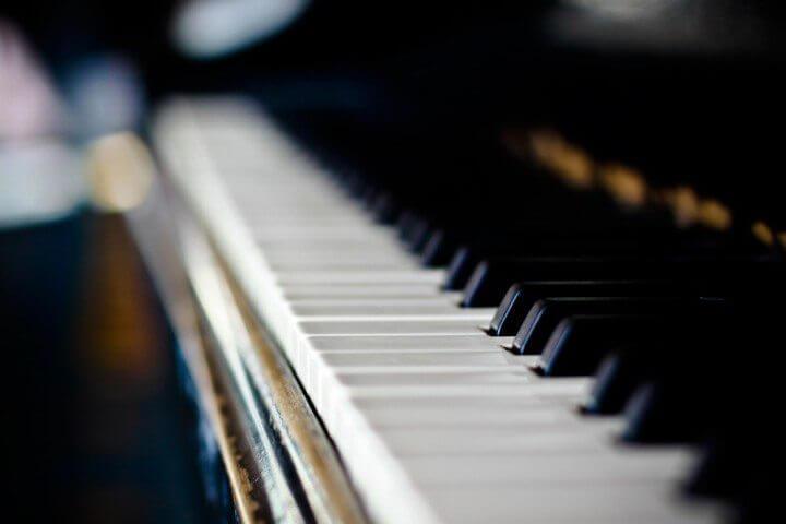 Como afinar um piano