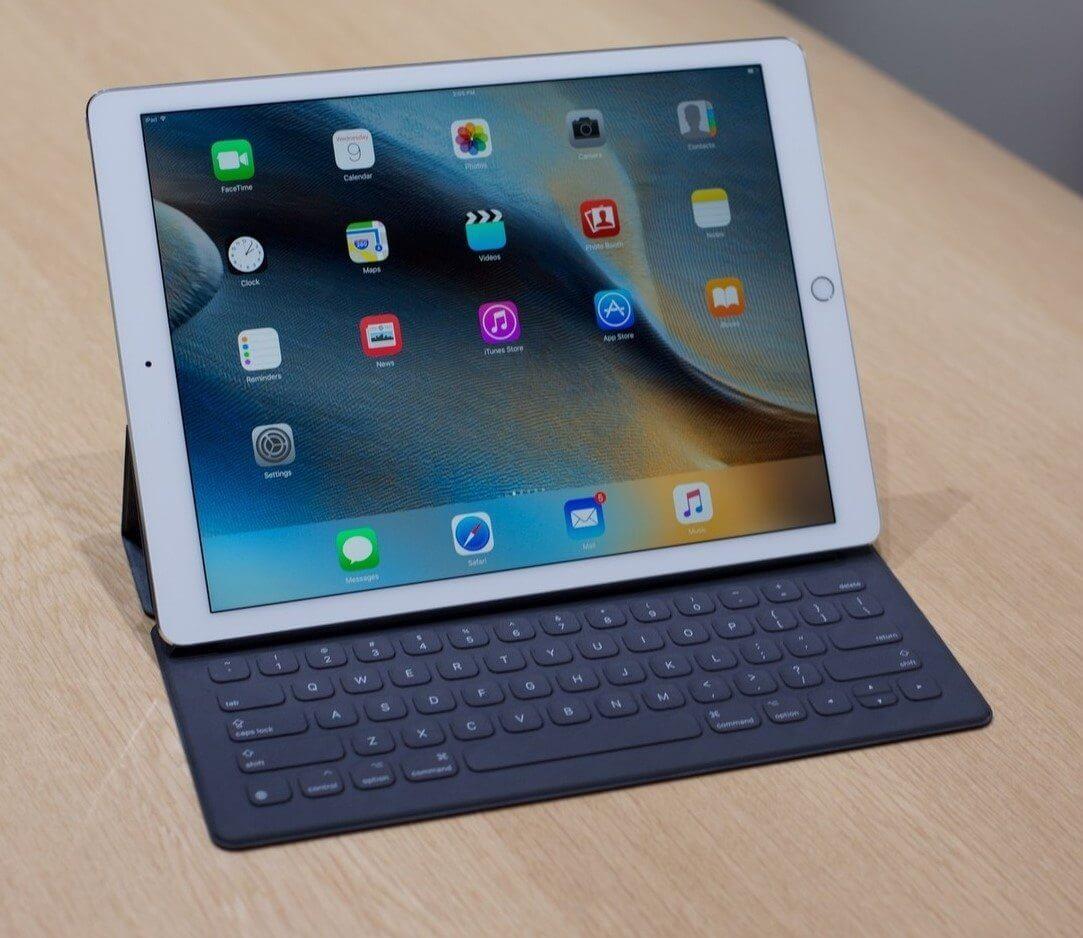 ipad pro keyboard hero - iPad Pro começa a ser vendido internacionalmente; no Brasil, preço começa em R$ 7.299