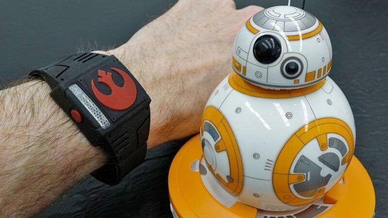 smt bb8 capa - CES 2016: Pulseira permite controlar robozinho BB-8 como um Jedi