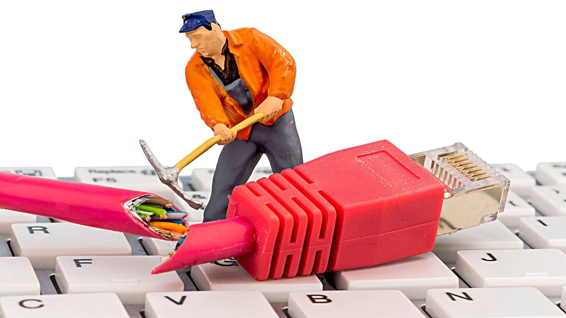 shutterstock 164650286 1080 - Quem usa YouTube e Netflix terá que pagar mais pela internet, parece justo pra você?