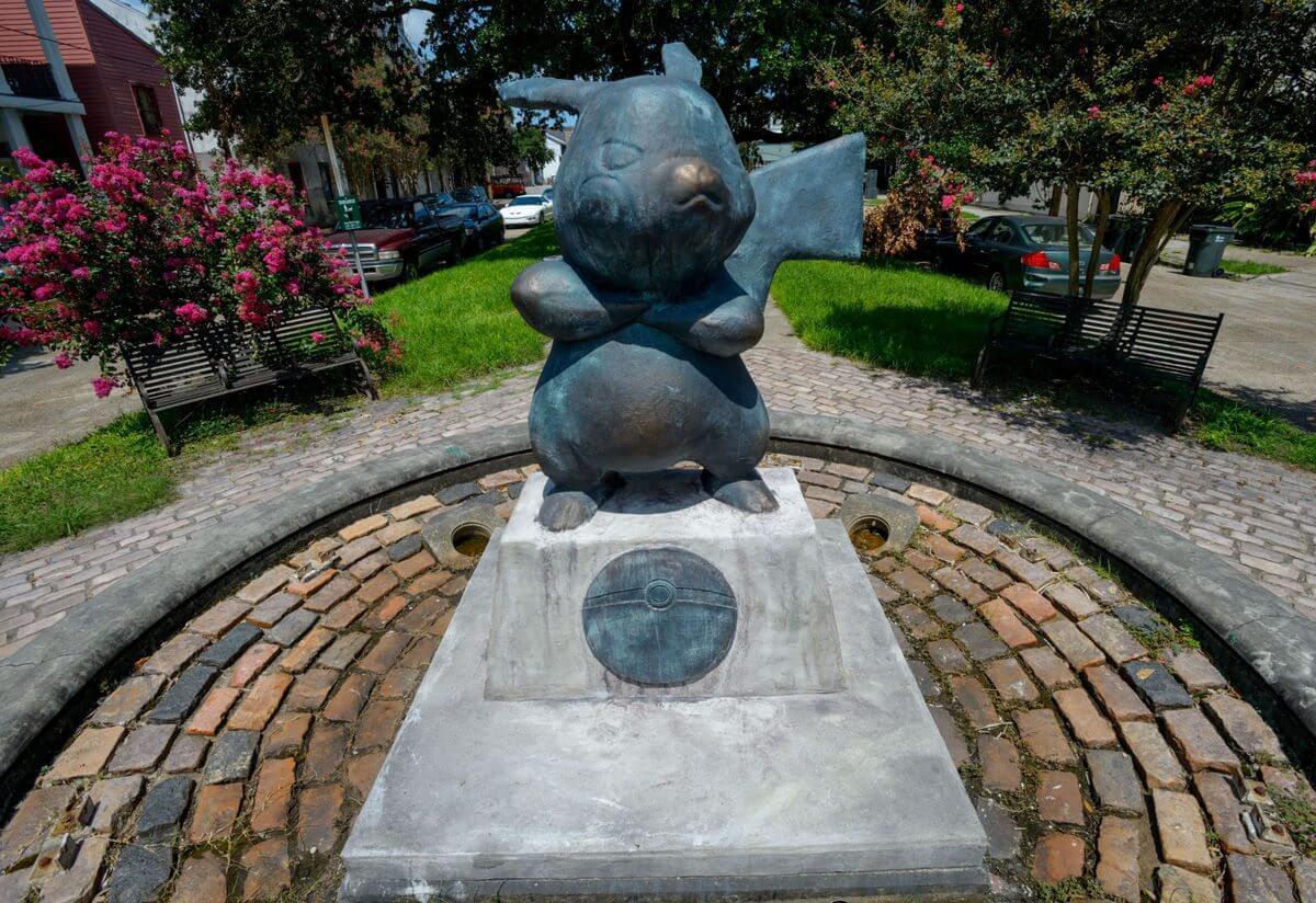 PokéMonument: Monumento de Pikachu aparece do nada em cidade americana
