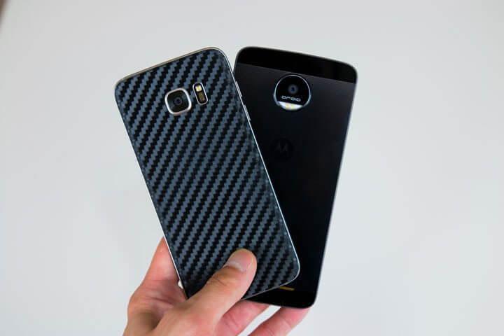 Motorola-Moto-Z-vs-Samsung-Galaxy-S7-Edge-design