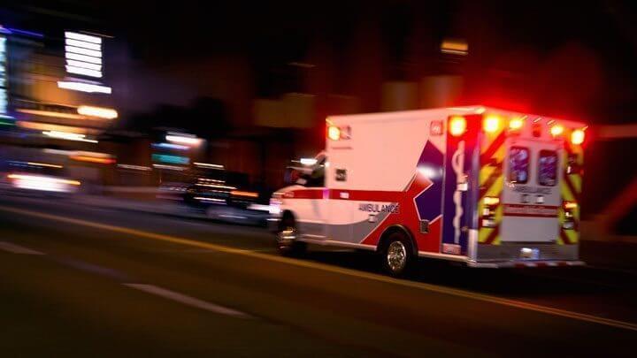 Emergencia-capa-ambulancia-shutterstock-smt
