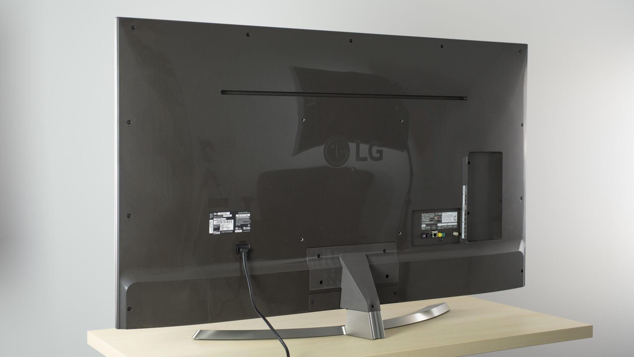 uh7700 back large - Dica: como escolher a melhor SmartTV nesta Black Friday