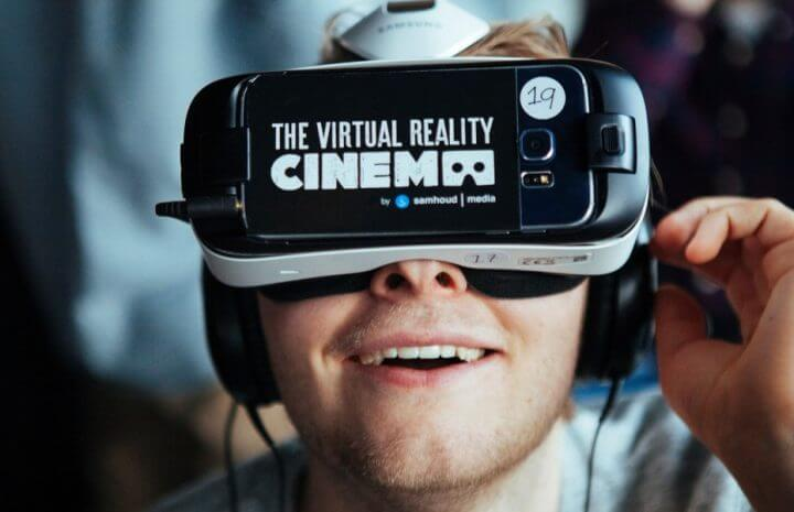 sesso de cinema 01 720x465 - Conheça o primeiro cinema de realidade virtual do mundo