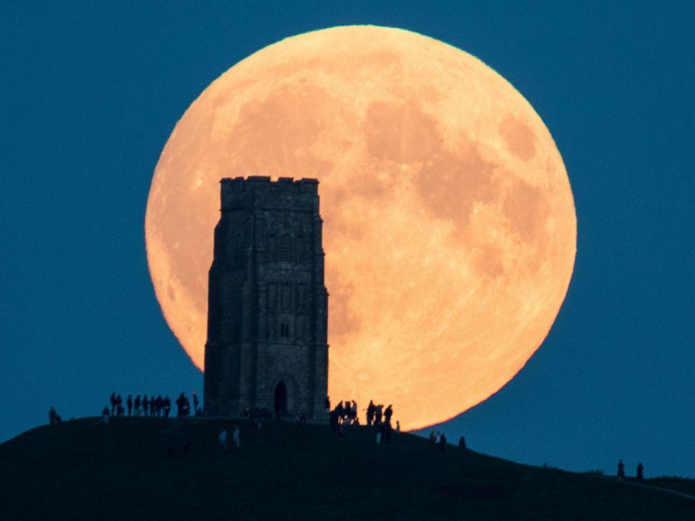 gty super moon 04 jc 150928 4x3 992 - É hoje! Não perca a maior lua desde 1948 dentro de poucas horas