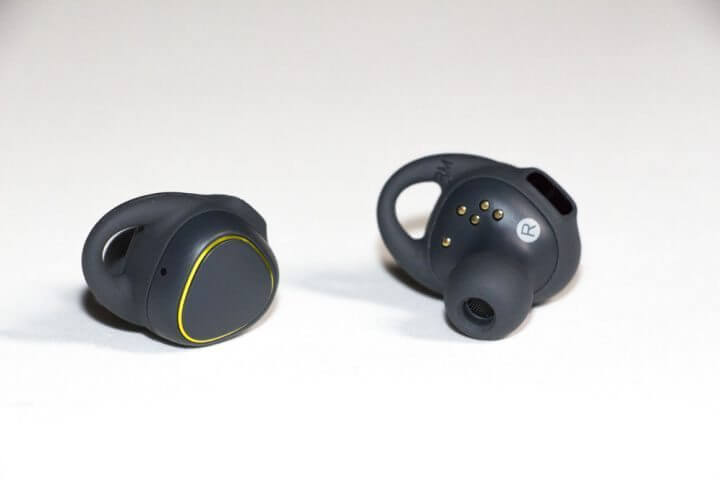 IMG 0323 720x480 - Review: Samsung Gear IconX