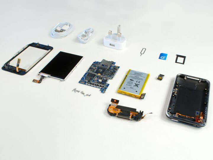 iPhone, Apple, Android, 10 anos - iPhone 2G Disassembly