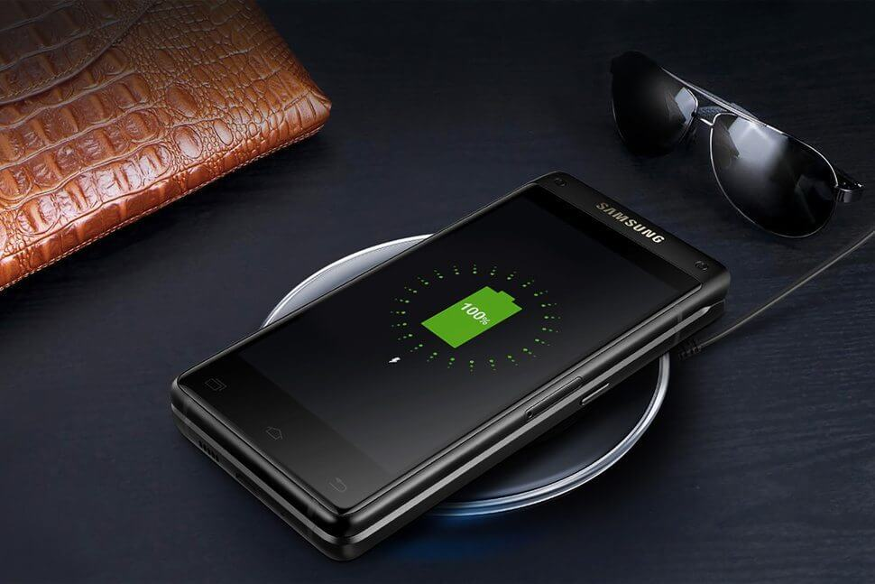 Conheça o Leader 8: um celular flip com especificações premium